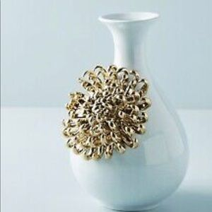 NWT Anthro Chrysanthemum Flower Ceramic Bloom Vase